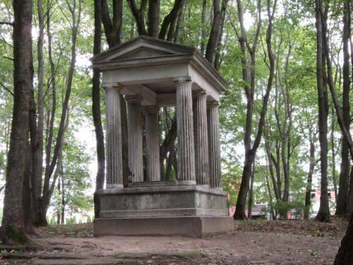 Die Begräbnisstätte vom Förderer Liudvikas Vyneris