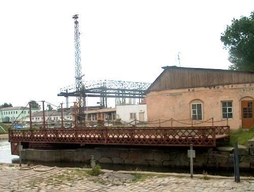 Die Drehbrücke, 2002.