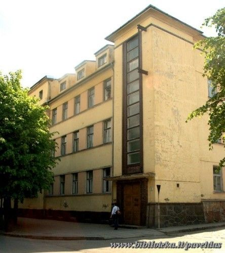 15 St. Simkaus St. 2002.
