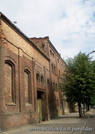 Complex of the buildings of the distillery-brewery plant (38 H. Manto St., 25 Sauliu St.) 2002.